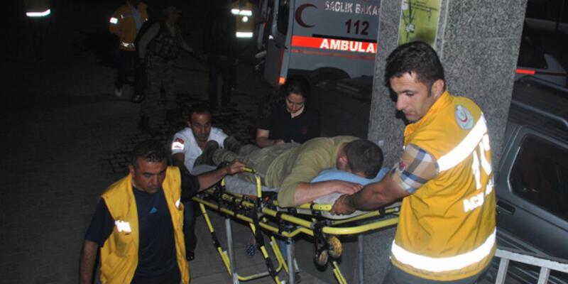 Kaçakçılar askerlere taşlarla saldırdı: 7 yaralı