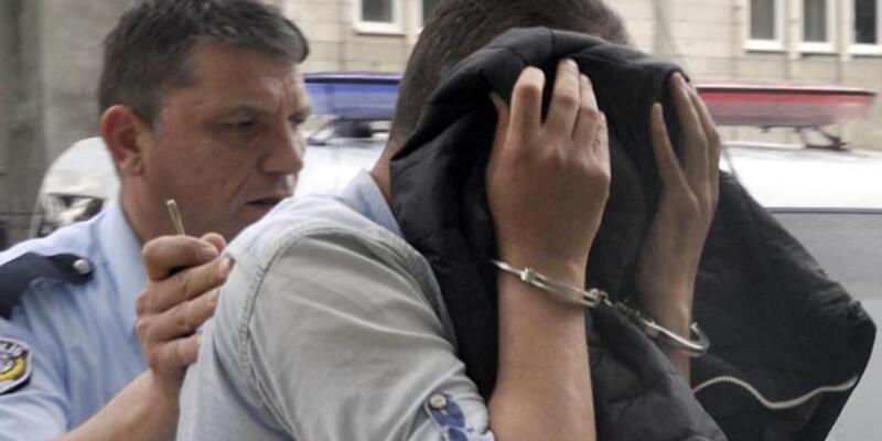 1 liralık gasp girişimine 2 yıl 11 ay hapis cezası