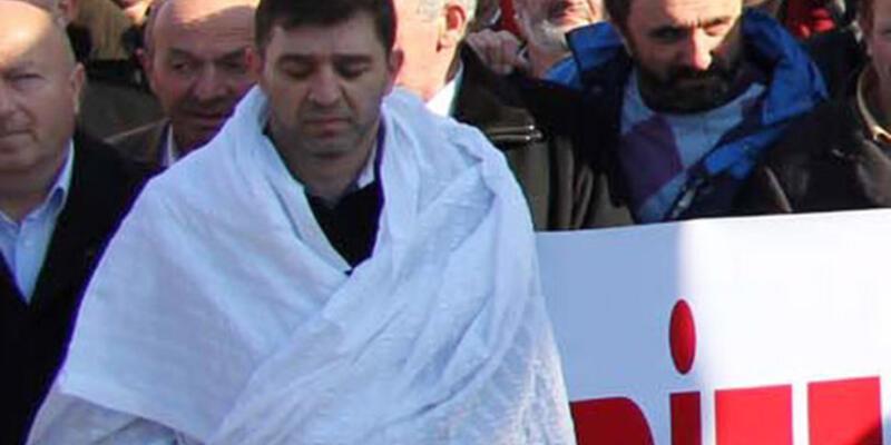 Erdoğan için giydiği kefen büfesini kurtarmadı