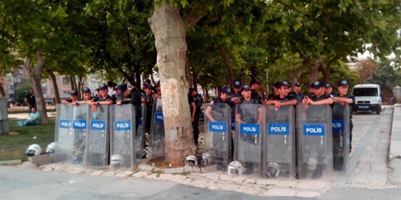 Gezi Parkı'na aç-kapa yapıldı