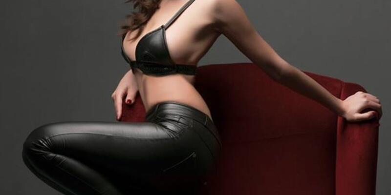 Karolin Fişekçi'den seksi kitap tanıtımı