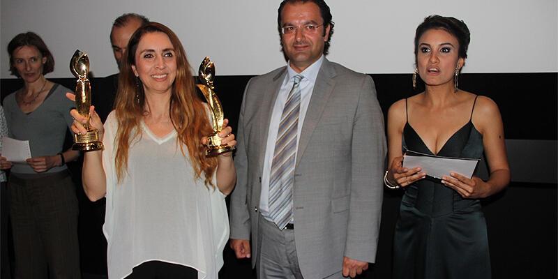 """Rotterdam'da """"En İyi Film"""" Sesime Gel, """"En İyi Yönetmen"""" Hüseyin Karabey"""