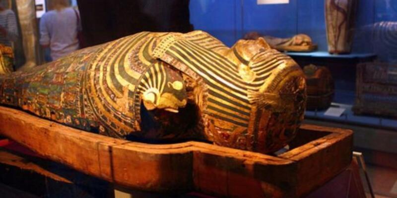 Giza'da firavun mumyası bulundu