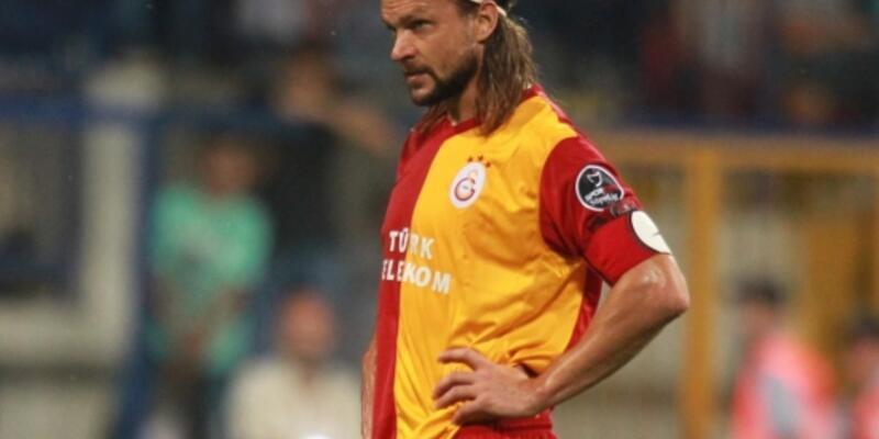 Ujfalusi futbolu bıraktı