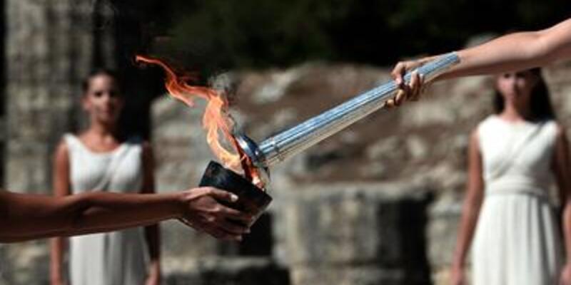 Olimpiyat ateşi bir kez daha yakıldı