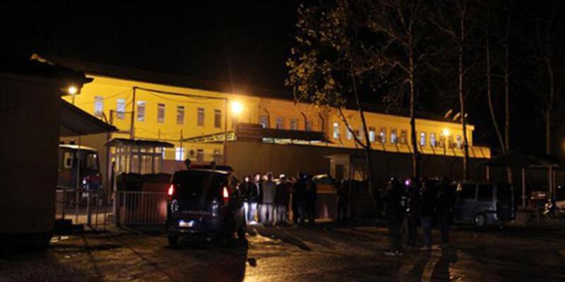 Saldırıya uğrayan cezaevi 2. müdürü öldü