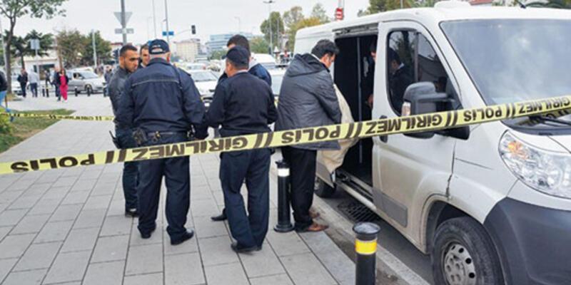 Banka aracını soyan iki kişi Mersin'de yakalandı