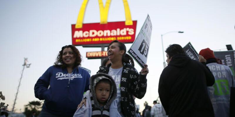 ABD'nin her yerinde fast food işçileri eylemde