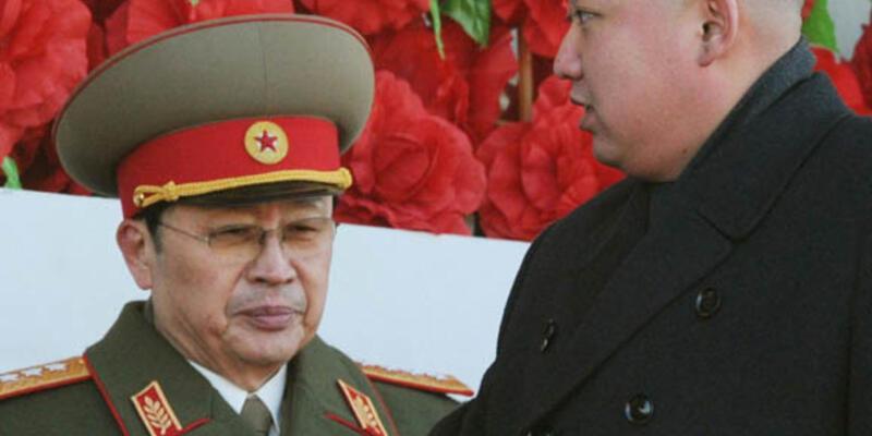 Kim Jong Un, eniştesini görevden aldı