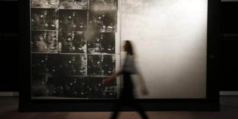 Warhol'un eseri 105 milyon dolara satıldı