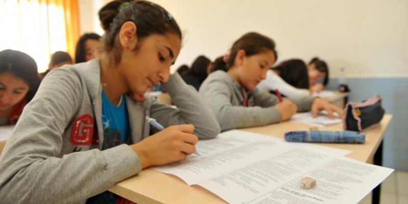 Öğrencilerin gündemi dershaneler değil sınavlar