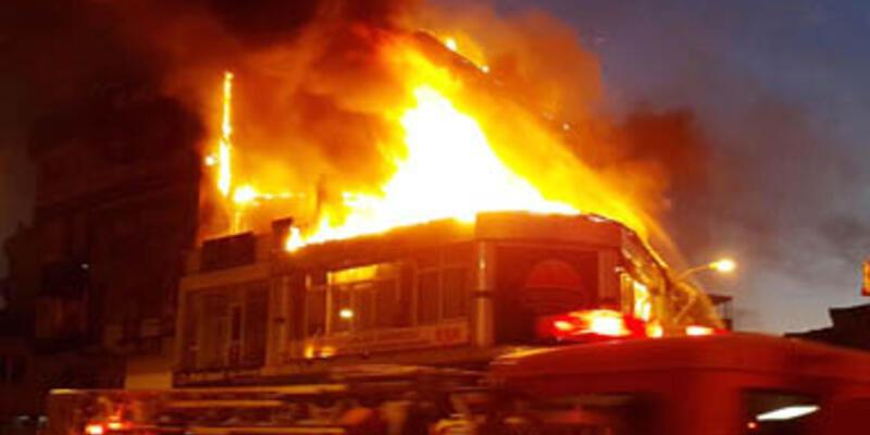 Çekmeköy'de korkutan yangın