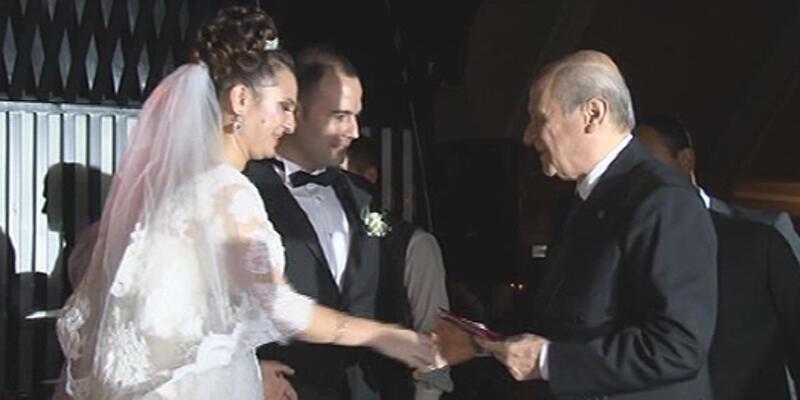 Tuğrul Türkeş'in oğlunun nikah şahidi Bahçeli