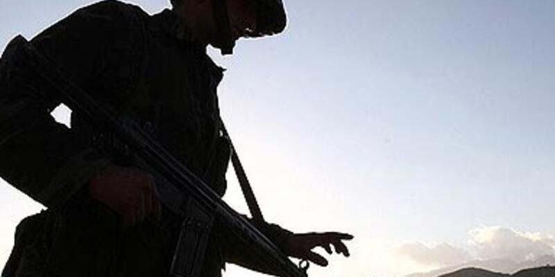 Şakalaşırken tabancayla vurulan asker öldü