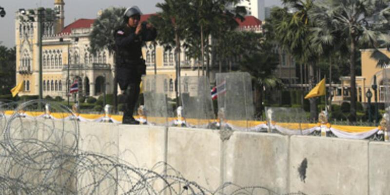 Tayland polisinden şaşırtan hamle