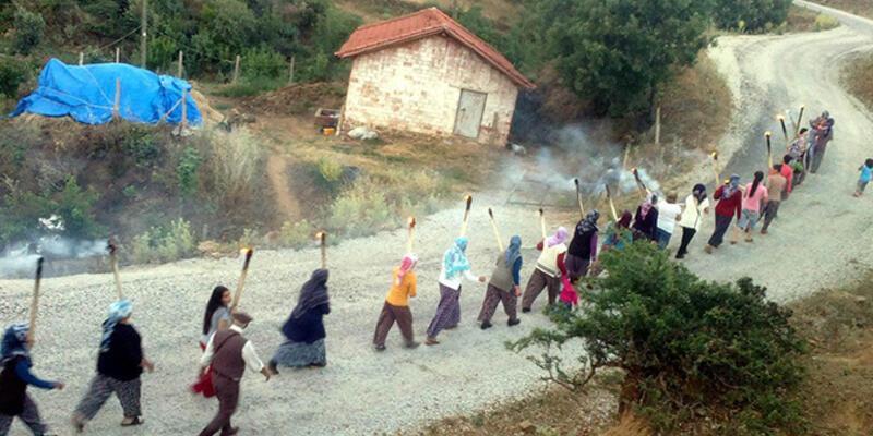 Manisa'da köylülerden meşaleli su isyanı!