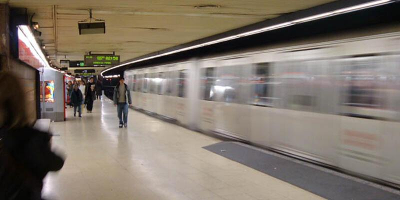 Barcelona metrosunda ırkçı saldırı