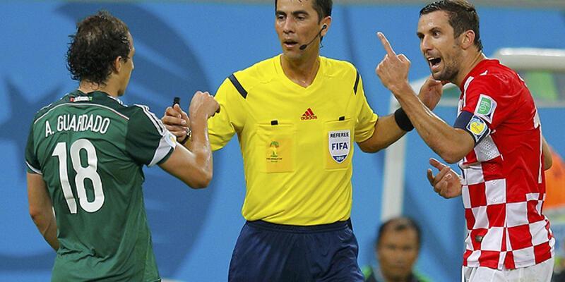 Arjantin İsviçre maçının hakemini değiştirtti mi?