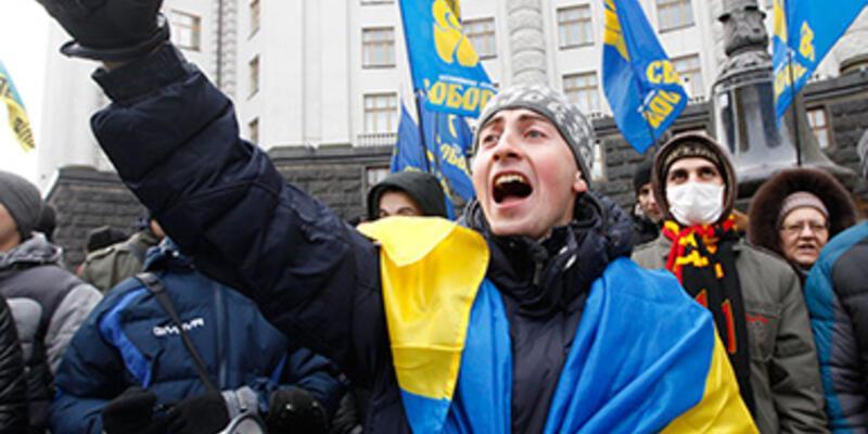 Ukrayna'da AB yanlısı gösteriler devam ediyor