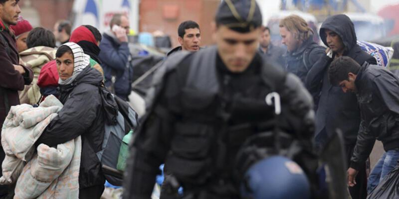 Fransa'da göçmen kampına polis baskını
