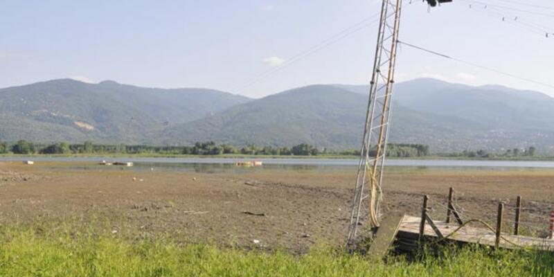 Sapanca Gölü'nde deprem enkazı!