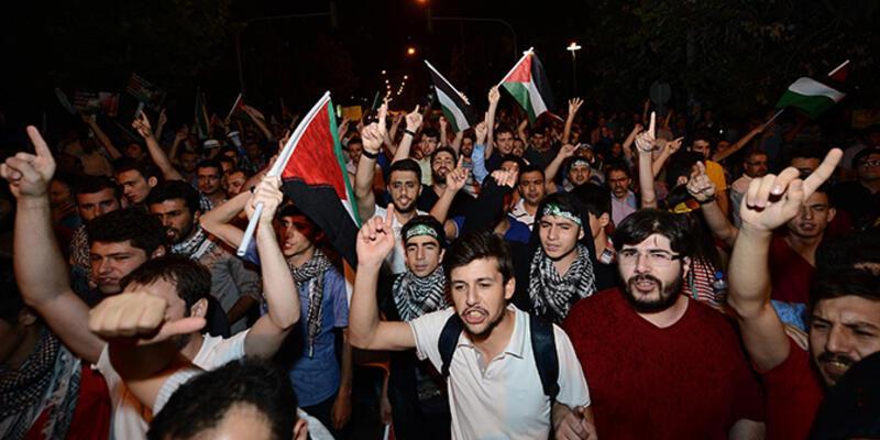 """İsrail Büyükelçiliği önünde """"Gazze"""" protestosu"""