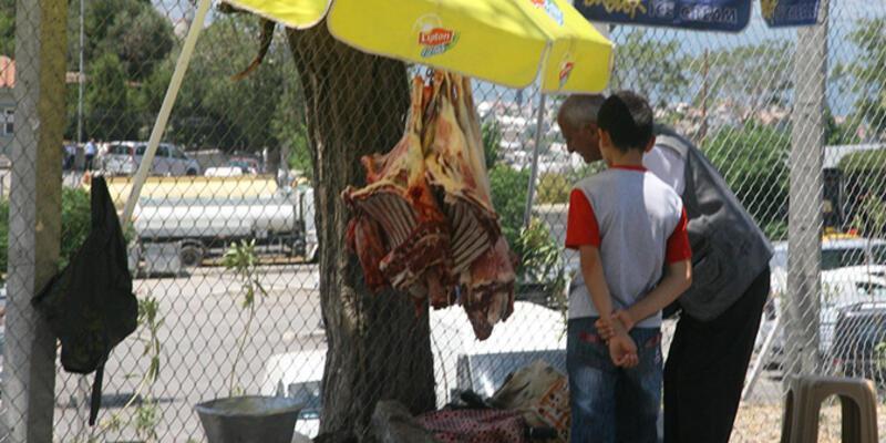 40 derece sıcakta sokakta et satışı