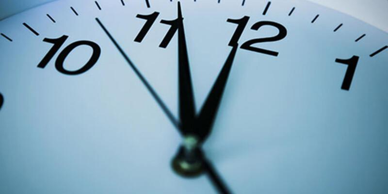Yaz saatini beğenmeyen Rusya yeniden kış saatine geçiyor