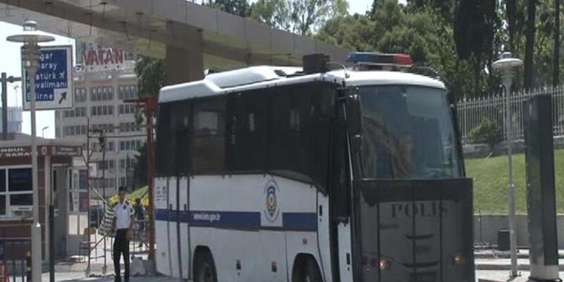 Gözaltı kararı bulunan 33 polisten 31'i açığa alındı