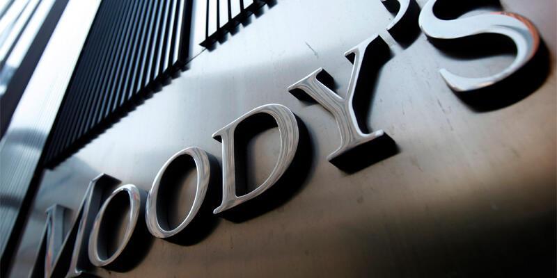 Moody's tarih verdi