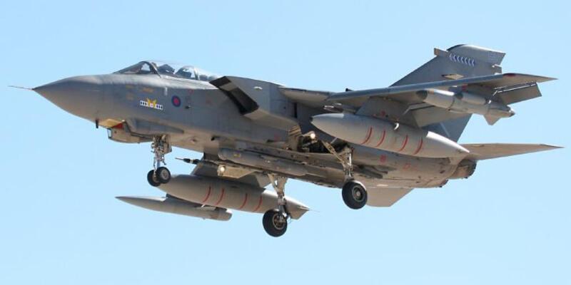 """""""İngiltere jetleri savaşa hazır"""""""