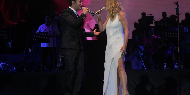 Mustafa Ceceli ile Lara Fabian'dan Açıkhava'da muhteşem düet