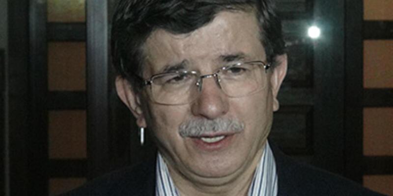 """Davutoğlu'ndan """"başörtülü vekil"""" yorumu"""