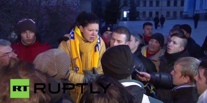 Ruslana da AB yanlısı göstericilere destek veriyor
