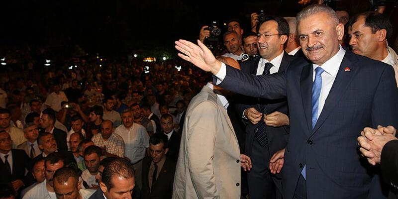 """""""Davutoğlu"""" ismi açıklandı, """"o"""" salonda yoktu!"""