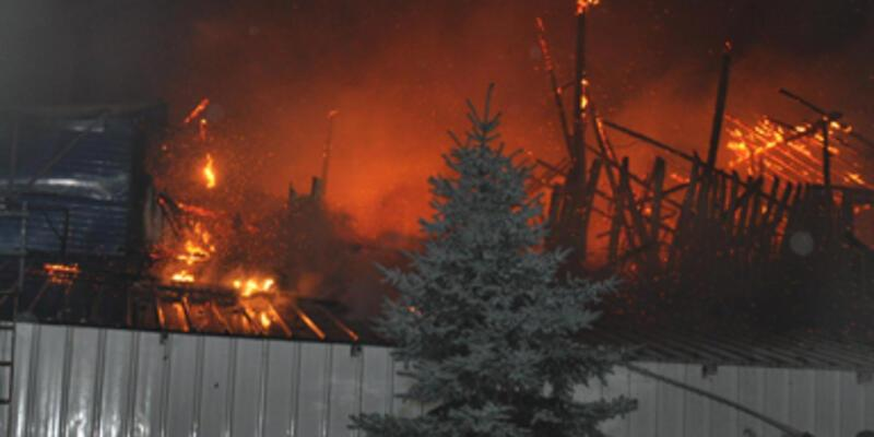 Kurabiye fabrikasını ateşe verdi