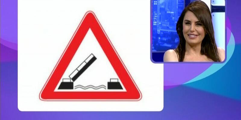 Aysu Baceoğlu'nun trafik levhaları ile imtihanı