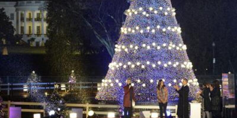 Obamalar Noel havasına girdi