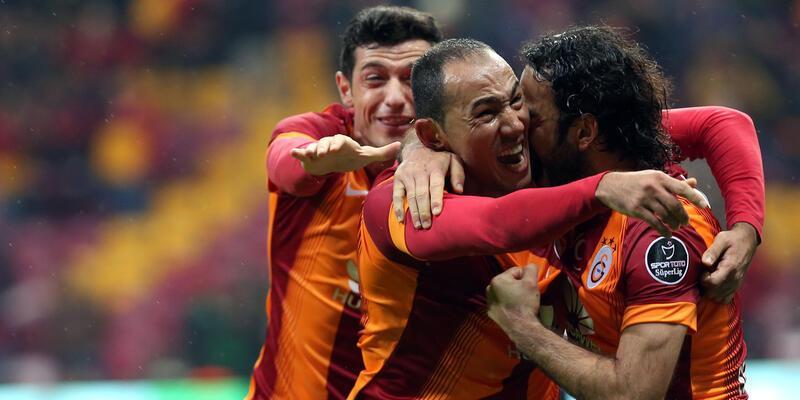 """""""Galatasaray'ın 1. golü ofsayt, 2. golünde elle oynama var"""""""