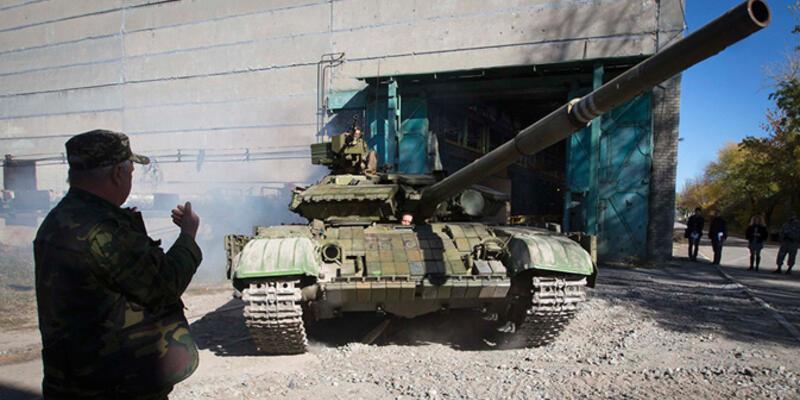 Rus tankları sınırı geçti!