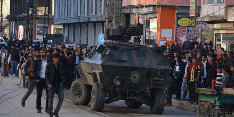 """Yüksekova'da """"hakaret"""" gerginliği"""