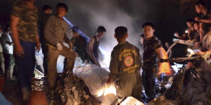 Tayland'da askeri helikopter düştü! 9 ölü...