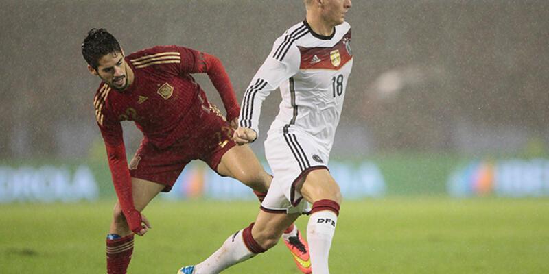 Almanya İspanya'yı deplasmanda devirdi