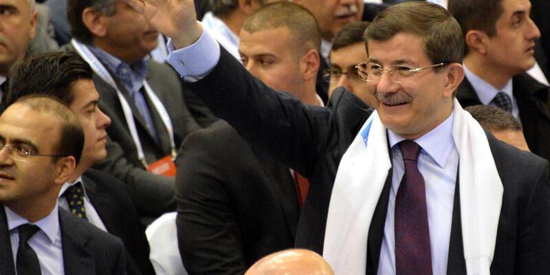 """Davutoğlu: """"Bahçeli haddini aştı"""""""
