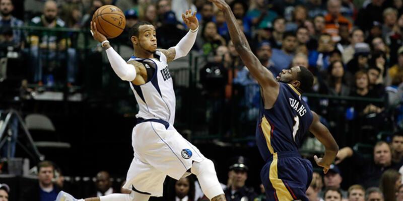 Ömer Aşık'lı Pelicans Dallas'a boyun eğdi