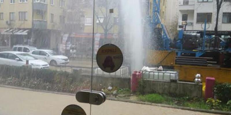 İstanbul'da metro çalışması sırasında su borusu patladı