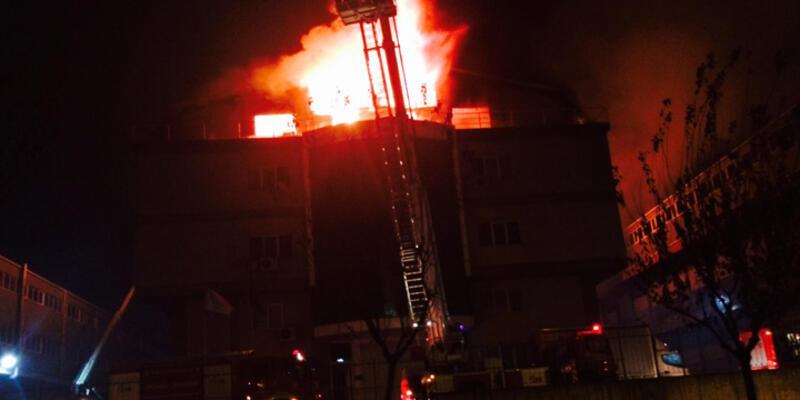 İkitelli'de sanayi sitesinde yangın