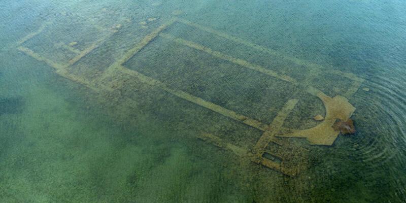 """İznik Gölü'ndeki bazilika """"dünyanın en önemli 10 keşfinden biri"""""""