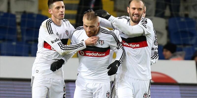 Beşiktaş'ta 4 futbolcu zehirlendi