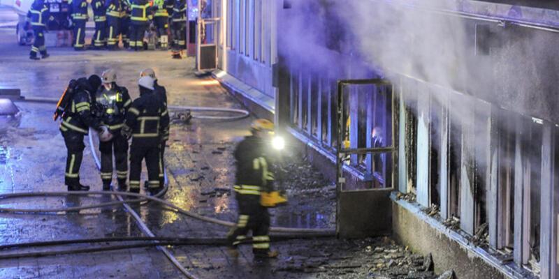 İsveç'te cami kundaklandı: 5 yaralı